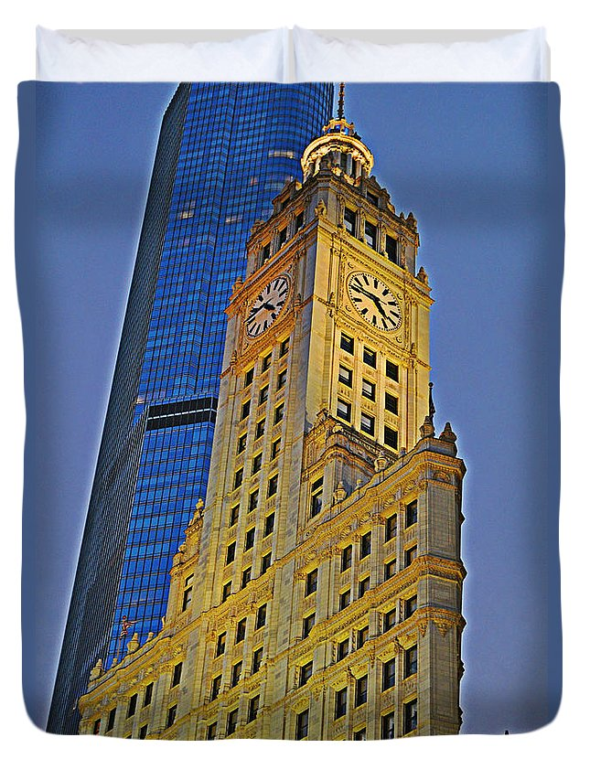 Wrigley Building Duvet Cover featuring the photograph The Wrigley Building by Mary Machare