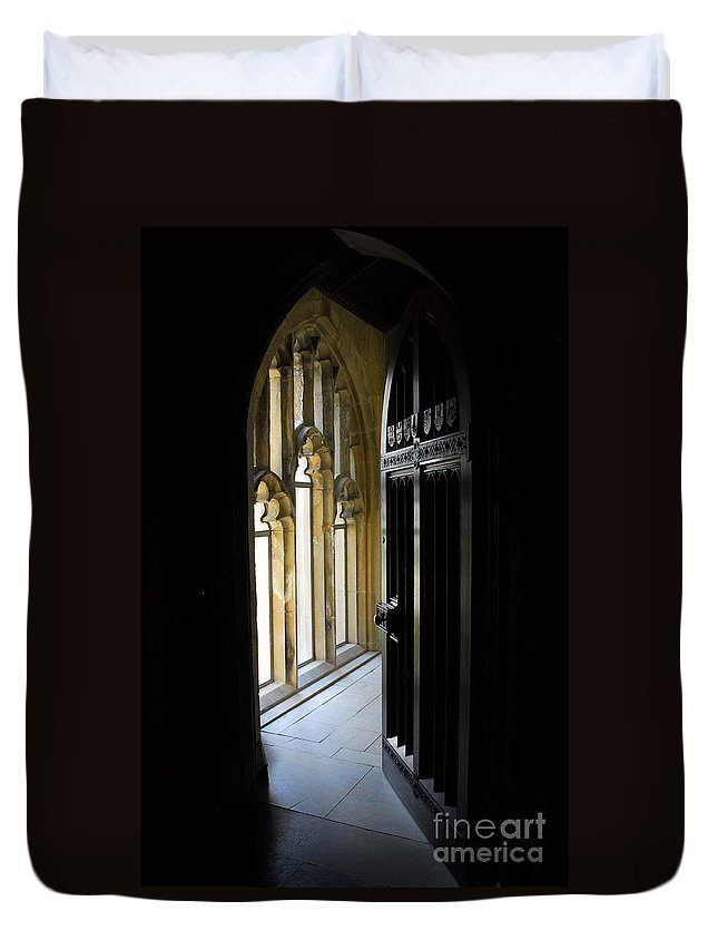 Doors Duvet Cover featuring the photograph Thru The Chapel Door by Cindy Manero