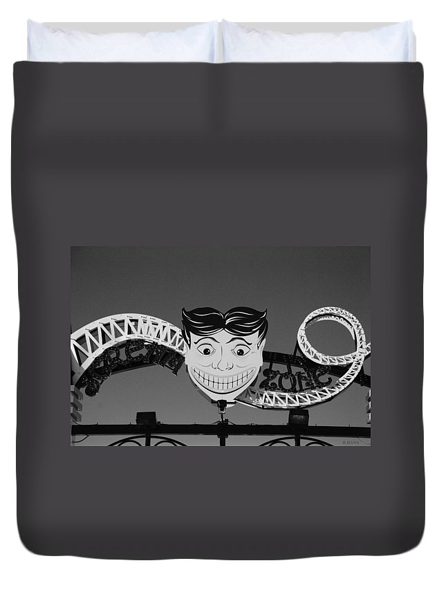 Brooklyn Duvet Cover featuring the photograph Tillie's Scream Zone In Black And White by Rob Hans