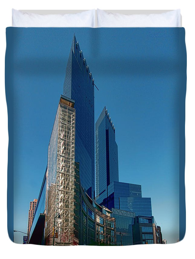 Iconic Duvet Cover featuring the photograph Time Warner Center by S Paul Sahm