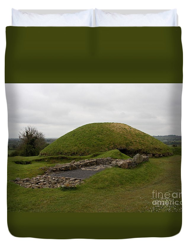 Tomb Duvet Cover featuring the photograph Tomb - Knowth - Ireland by Christiane Schulze Art And Photography