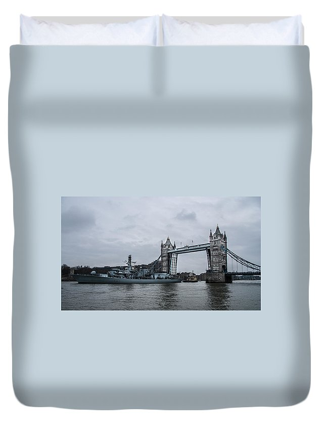 Tower Bridge Duvet Cover featuring the photograph Tower Bridge Open by Dawn OConnor