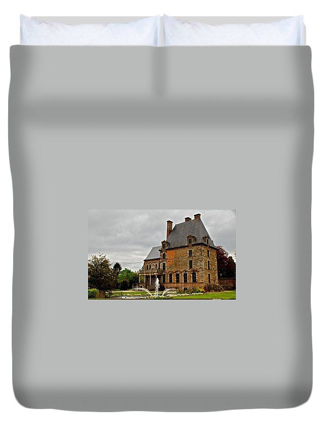 France Duvet Cover featuring the photograph Tres Francais by Eric Tressler