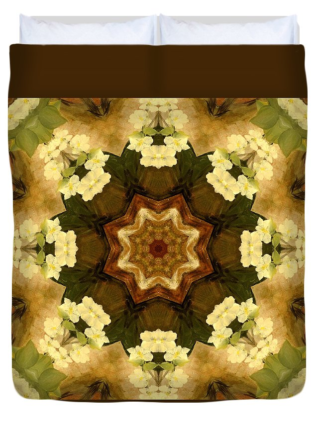 Wedges Duvet Cover featuring the painting Trio Star by Kathy Sheeran