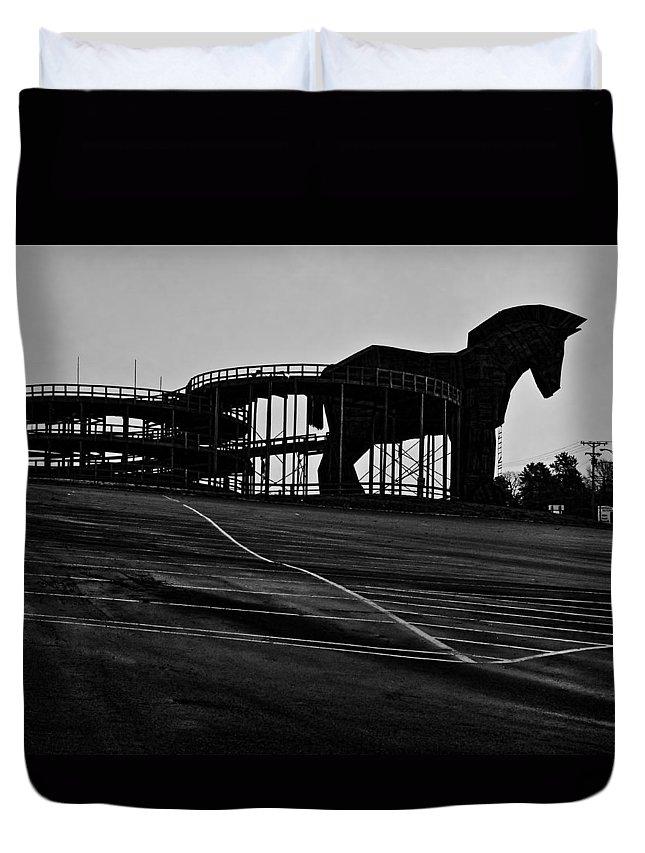 Amusement Park Duvet Cover featuring the photograph Trojan Horse by John Hansen