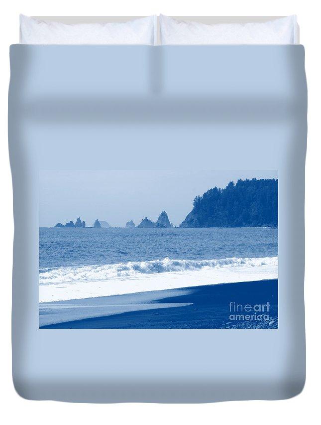 Beach Duvet Cover featuring the photograph Twilight Blue by Carol Groenen