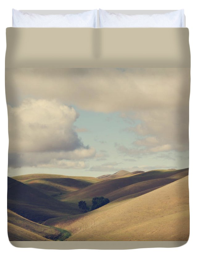 Landscape Duvet Cover featuring the photograph Up Above The Darkness by Laurie Search