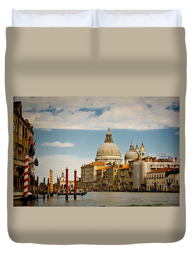 Venice Duvet Cover featuring the photograph Venice Entryway by Jon Berghoff