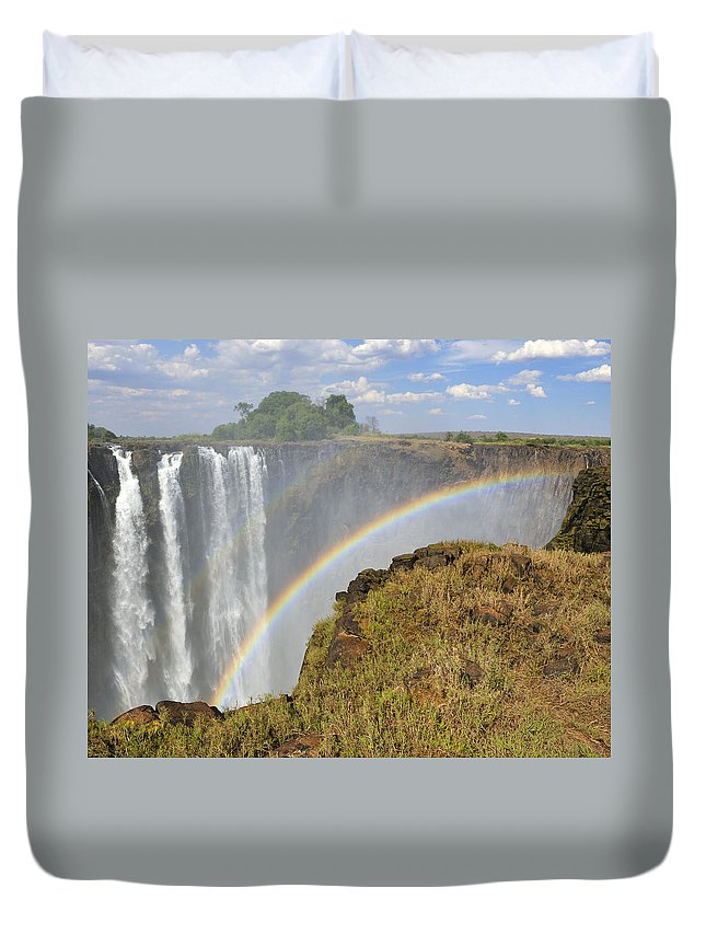 Victoria Falls Duvet Cover featuring the photograph Victoria Falls by Tony Beck