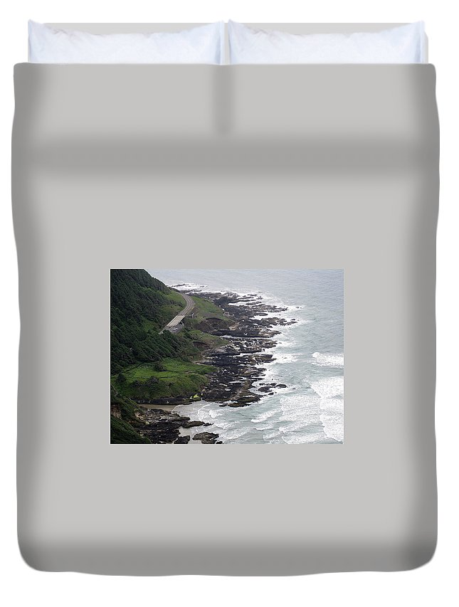 Cape Duvet Cover featuring the photograph View From Cape Perpetua by Linda Hutchins