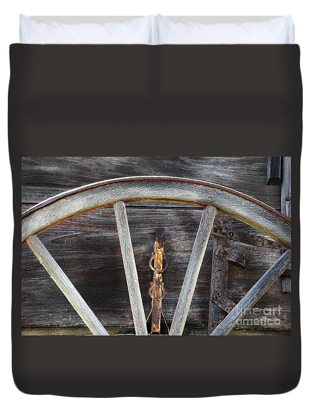 Wagon Wheel Duvet Cover featuring the photograph Wagon Wheel Detail by Bob Christopher