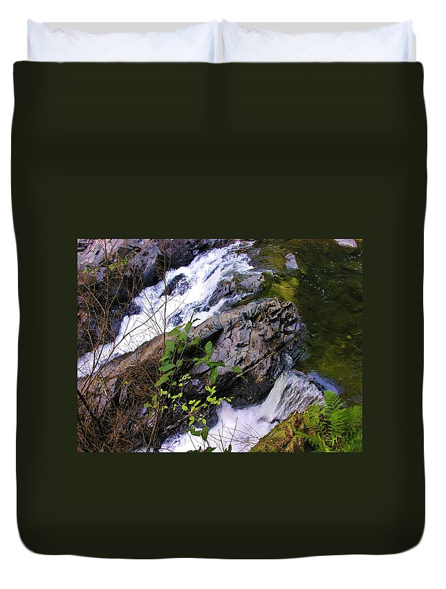 Water Duvet Cover featuring the photograph Water Running Down Ledge by Sherman Perry