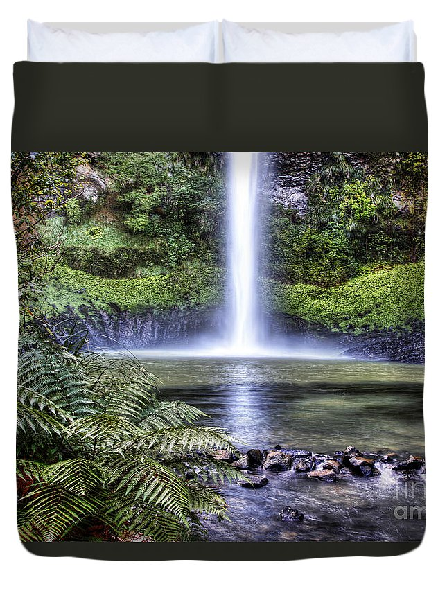 Beauty In Nature Duvet Cover featuring the photograph Waterfall by Les Cunliffe