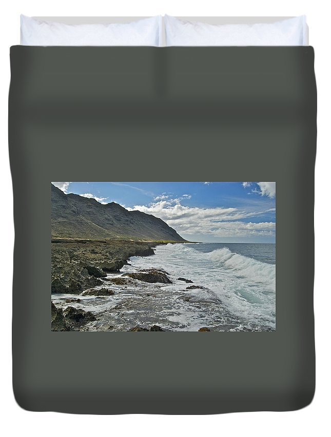 Landscape Duvet Cover featuring the photograph Waves At Kaena State Park 7847 by Michael Peychich