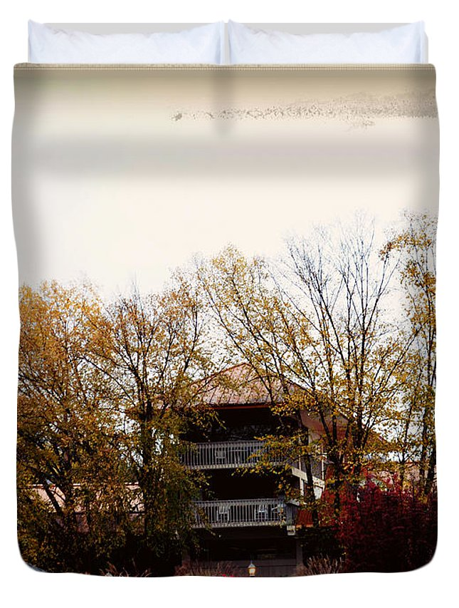 Nature Duvet Cover featuring the photograph Waynesville Inn And Golf Resort by Paulette B Wright