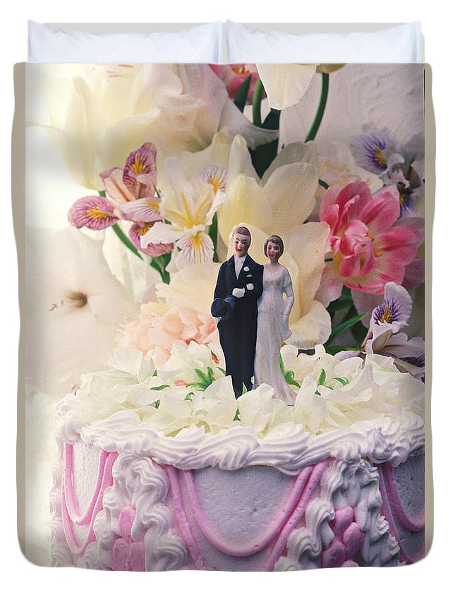 Wedding Duvet Cover featuring the photograph Wedding Cake by Garry Gay