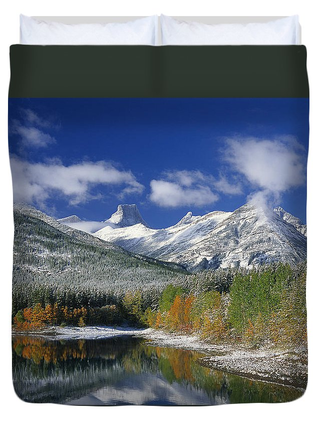 Light Duvet Cover featuring the photograph Wedge Pond by Darwin Wiggett