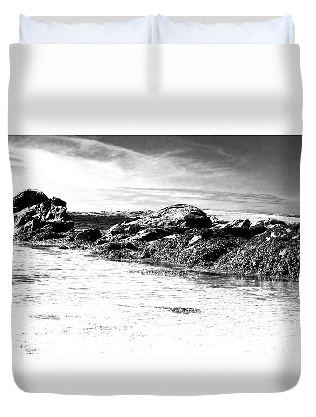 Bw Duvet Cover featuring the photograph Western Ireland Beach by David Resnikoff
