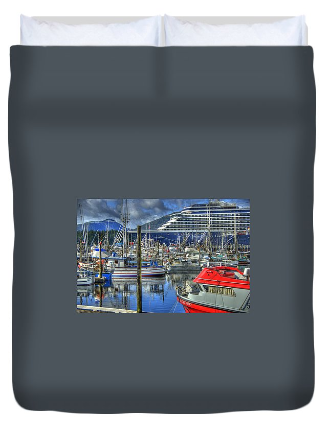 Alaska Duvet Cover featuring the photograph Which One Is Mine by Jon Berghoff