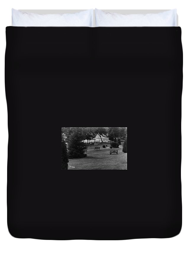 Ny Duvet Cover featuring the photograph White Roe Lake Hotel - Livingston Manor Ny - Lawn To Lake by Ericamaxine Price