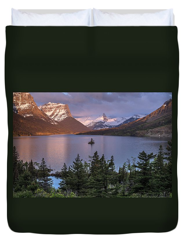 Glacier National Park Duvet Cover featuring the photograph Wild Goose Island 2 by Greg Nyquist