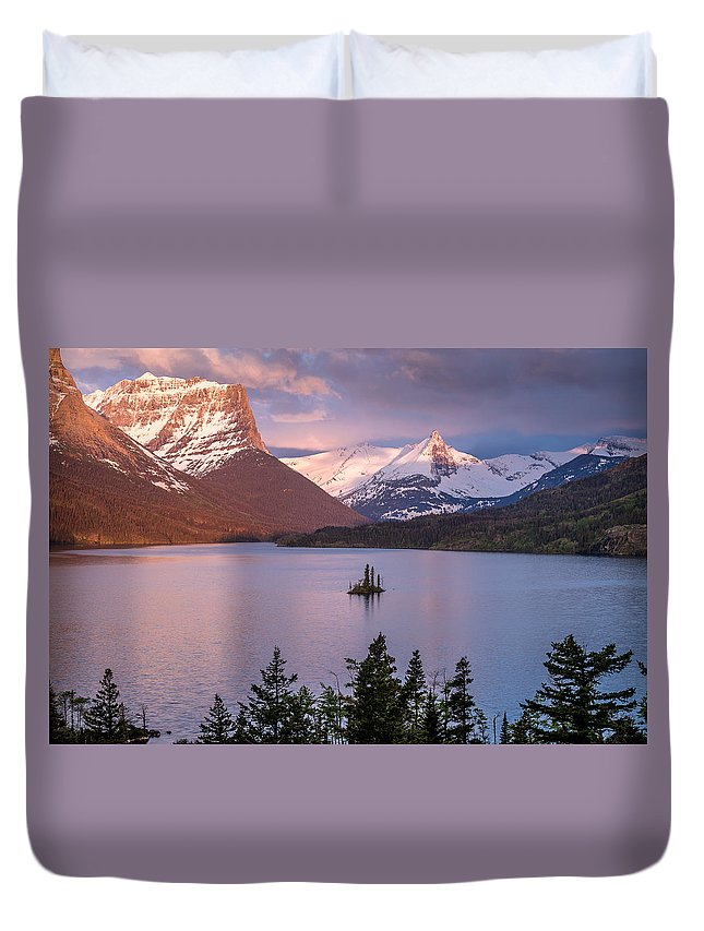Glacier National Park Duvet Cover featuring the photograph Wild Goose Island 3 by Greg Nyquist