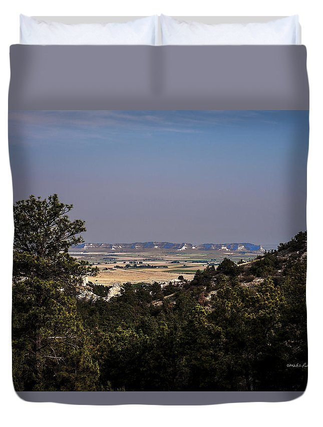 Western Nebraska Duvet Cover featuring the photograph Wildcat Hills View by Edward Peterson