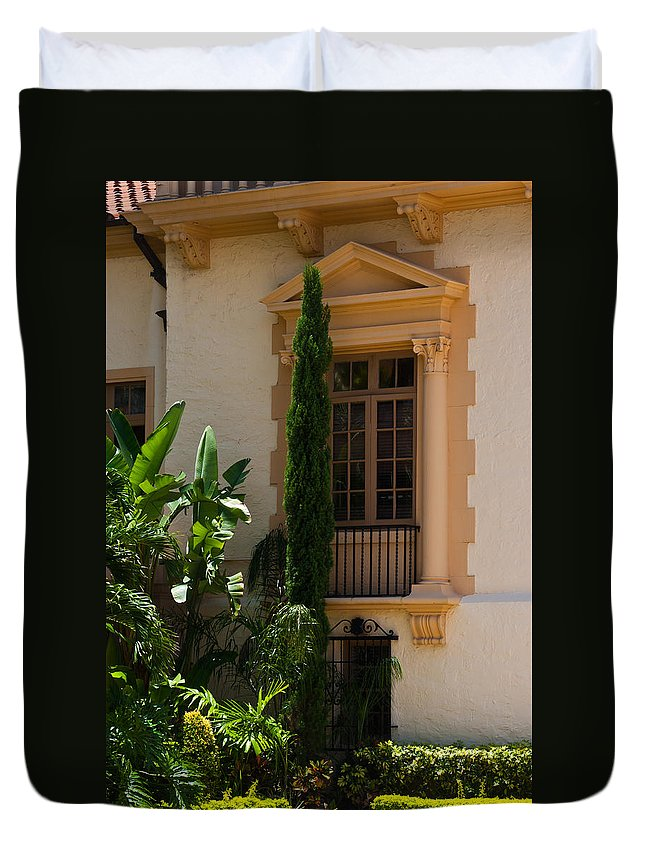 Biltmore Duvet Cover featuring the photograph Window At The Biltmore by Ed Gleichman