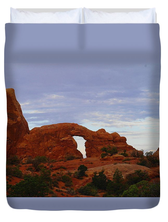 Rocks Duvet Cover featuring the photograph Windows Arch by Jeff Swan