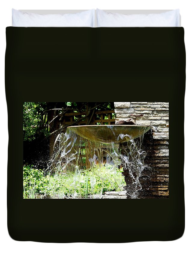 Roy Williams Duvet Cover featuring the photograph Windy Waterscape by Roy Williams