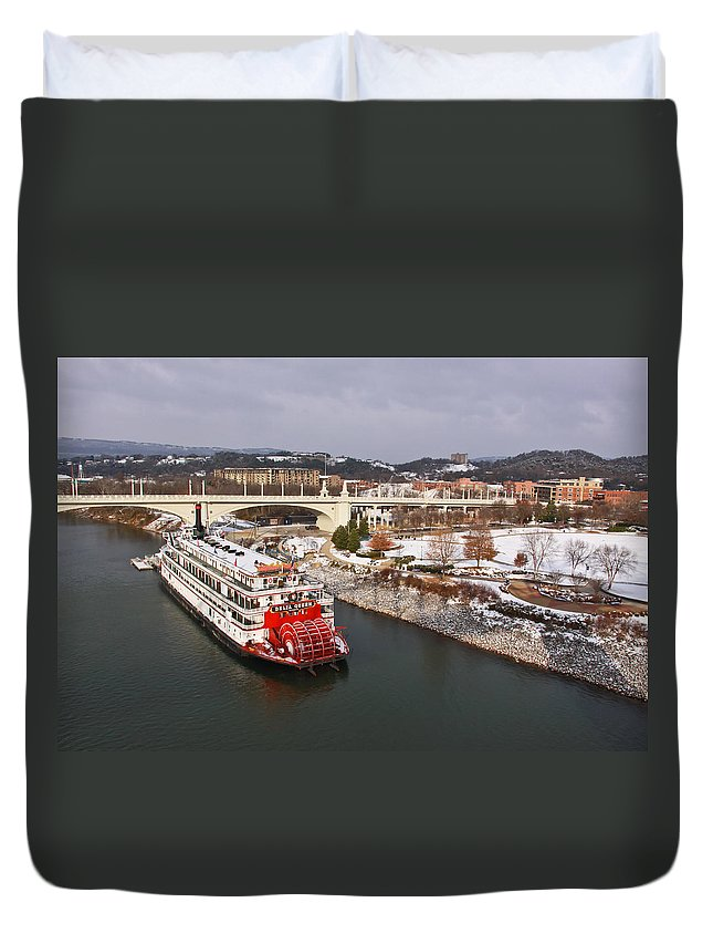 Winter Duvet Cover featuring the photograph Winter In Coolidge Park by Tom and Pat Cory