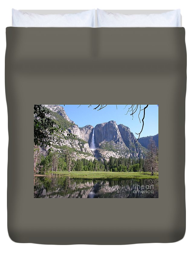 Yosemite National Park Duvet Cover featuring the photograph Yosemite National Park Usa by Diane Greco-Lesser