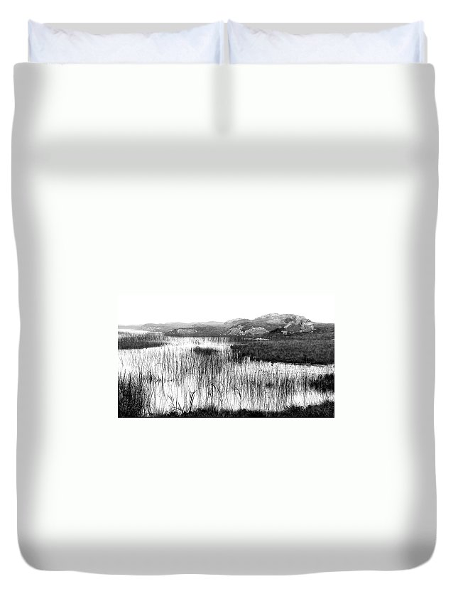 Bw Duvet Cover featuring the photograph Zen Pond In Ireland by David Resnikoff