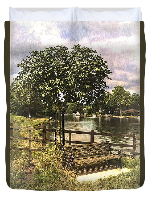 River Thames Duvet Cover featuring the photograph A Seat By The Thames by Ian Lewis