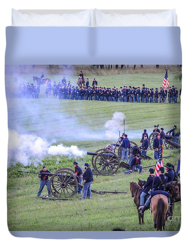150th Duvet Cover featuring the photograph Gettysburg Union Artillery And Infantry 7439c by Cynthia Staley