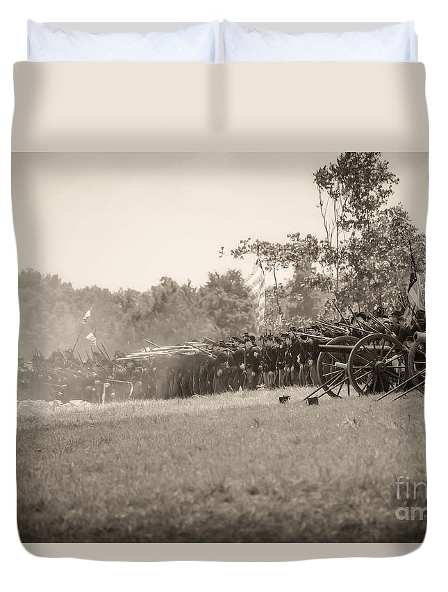 150th Duvet Cover featuring the photograph Gettysburg Union Infantry 9968s by Cynthia Staley