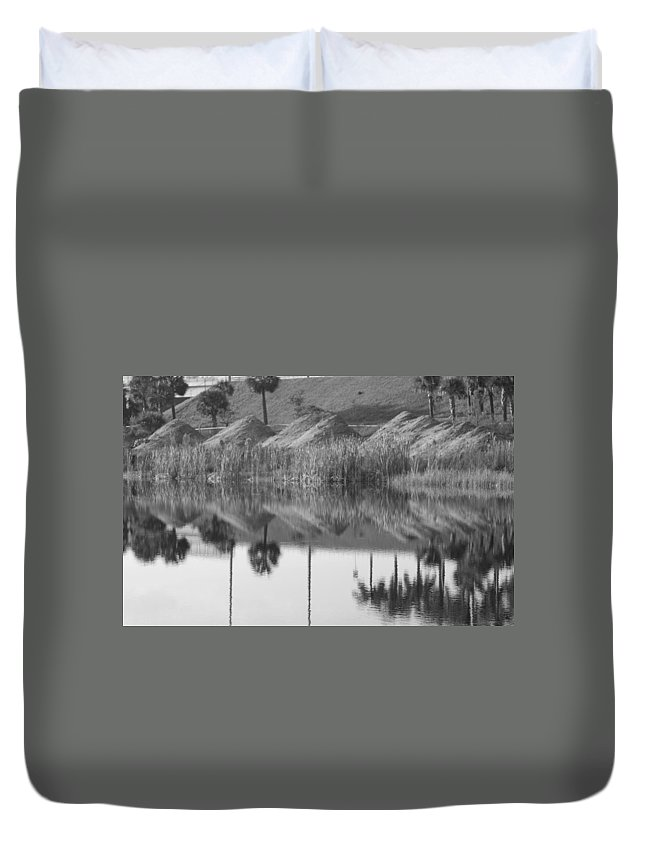 Pyrimids Duvet Cover featuring the photograph Pyrimids By The Lakeside Cache by Rob Hans