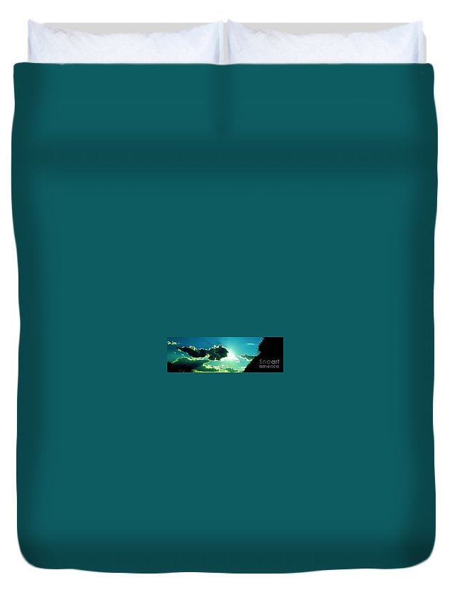 Iphone 4s Duvet Cover featuring the photograph 05042013028 by Debbie L Foreman