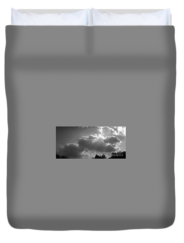 Iphone 4s Duvet Cover featuring the photograph 05222012057 by Debbie L Foreman