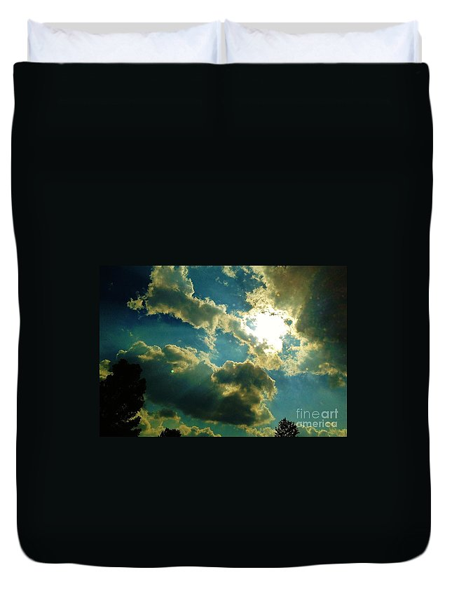 Iphone 4s Duvet Cover featuring the photograph 05222012059 by Debbie L Foreman