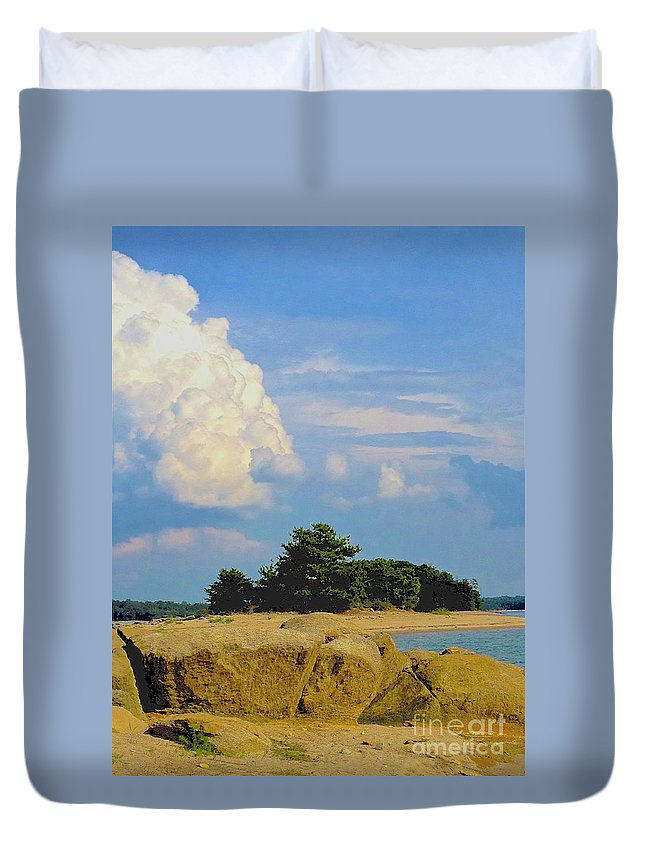 Iphone 4s Duvet Cover featuring the photograph 05222012100 by Debbie L Foreman