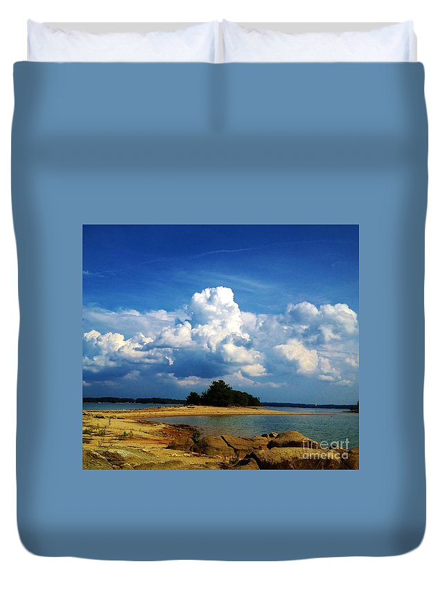 Iphone 4s Duvet Cover featuring the photograph 05222012103 by Debbie L Foreman