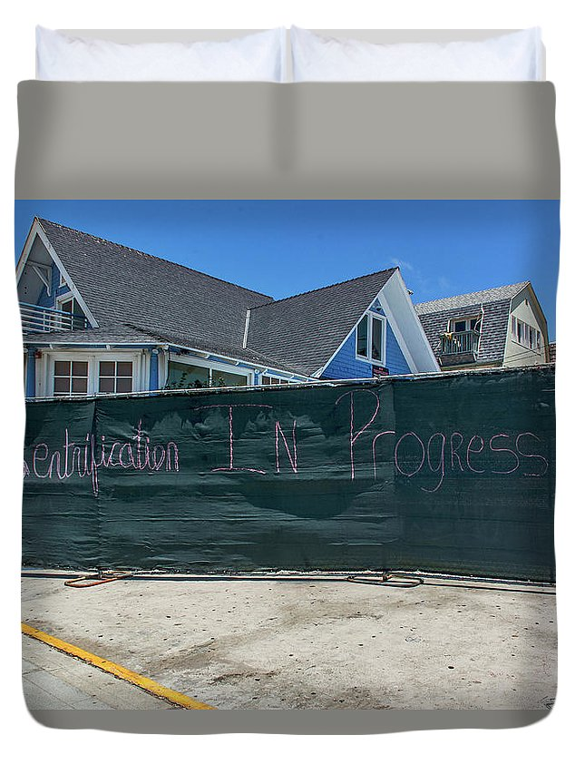 Grafitti Duvet Cover featuring the photograph 0669- Grafitti by David Lange