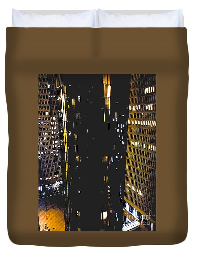 Urban Duvet Cover featuring the photograph 09032015013 by Debbie L Foreman