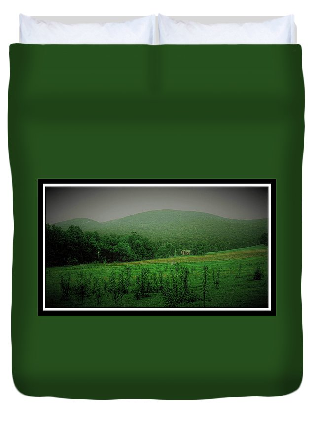 Farm Duvet Cover featuring the photograph 061207-17 by Mike Davis