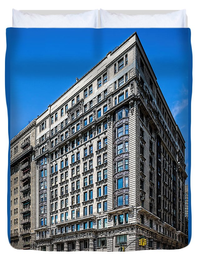 New York City Duvet Cover featuring the photograph 50 Cpw by Kenneth Grant