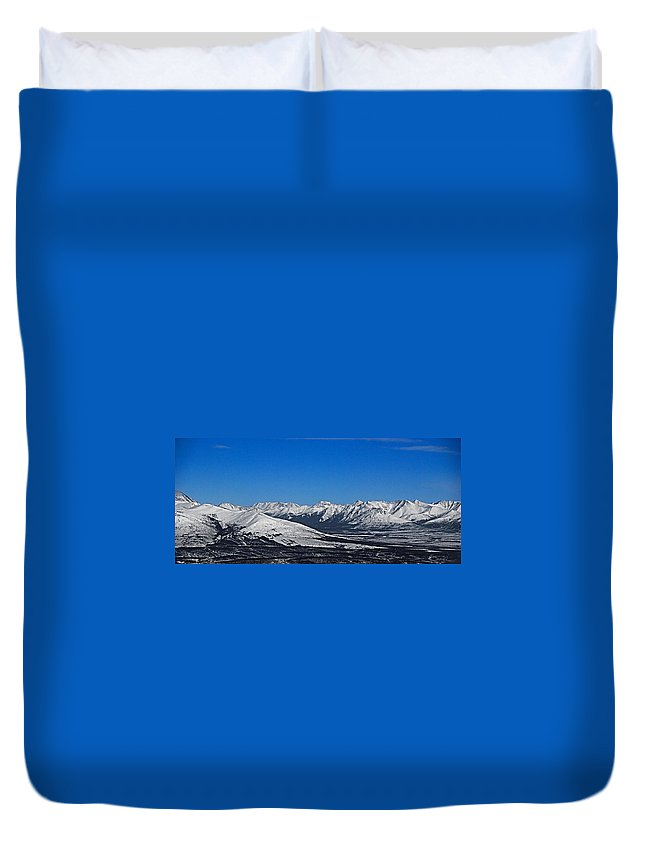 Anaktuvuk Duvet Cover featuring the photograph Anaktuvuk Pass Alaska by Galeria Trompiz
