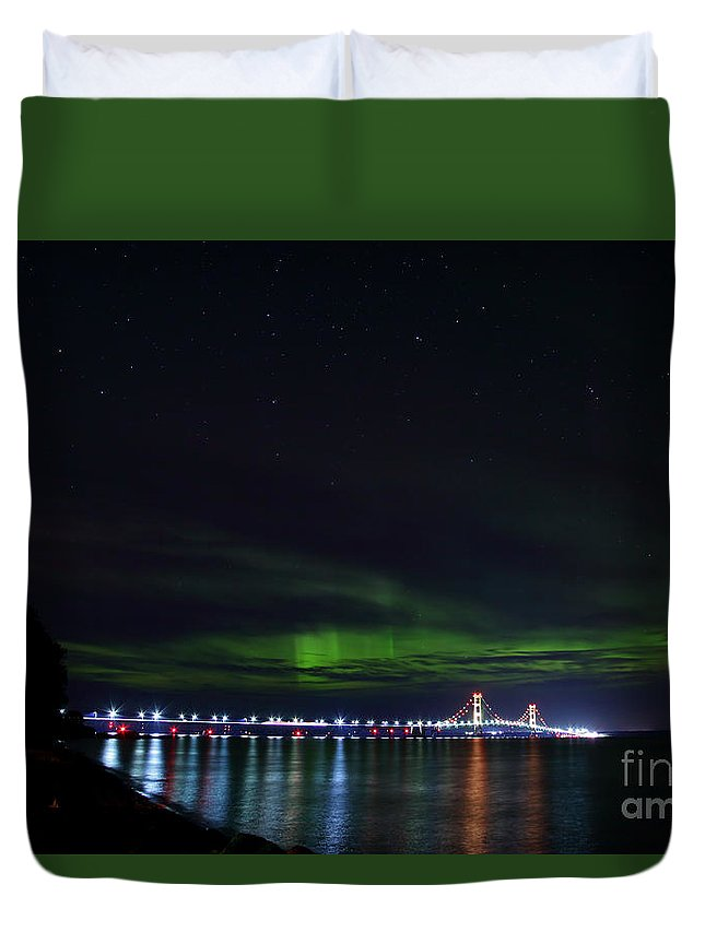 Big Mac Duvet Cover featuring the photograph Aurora Over The Big Mac #2 by Dale Niesen