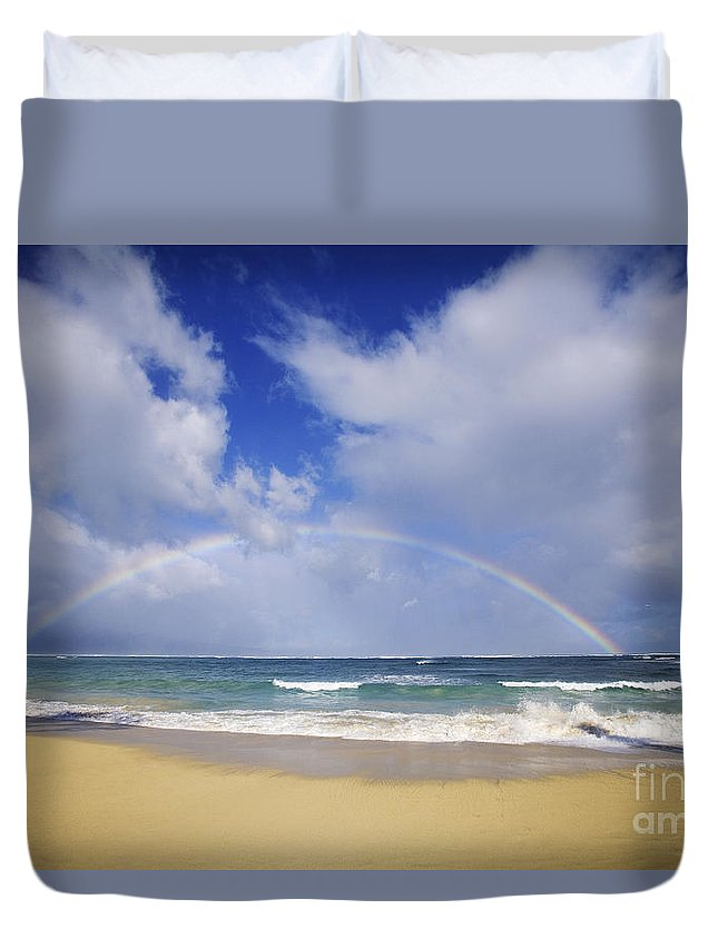 66-csm0131 Duvet Cover featuring the photograph Baldwin Beach by Ron Dahlquist - Printscapes