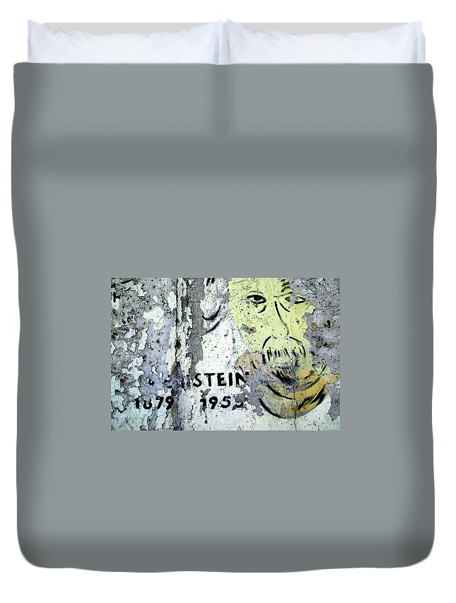 Berlin Duvet Cover featuring the photograph Berlin Wall Mural by KG Thienemann